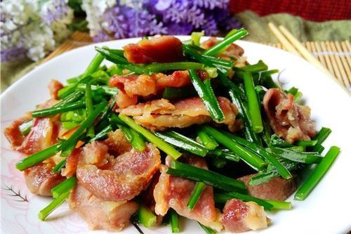 江苏食堂承包:猪肉怎么炒才好吃,炒法